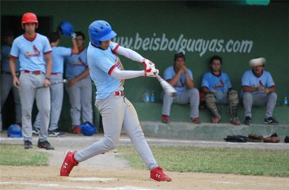 DANNY RAMOS(Cardenales) conectando jonron.
