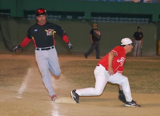 Melquiades González llaga quieto a la inicial defendida por Fabricio Muñoz de Fatty