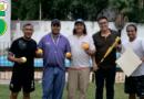 Lanzamiento del Softbol en Vaqueros