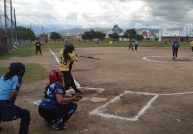 Definiciones en el Softbol Femenino en Salta